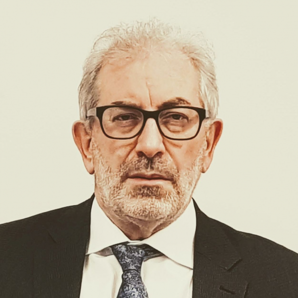 lord-kerslake-chairman-uk2070-nottingham-city-business-club.png
